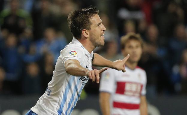 Camacho celebra un gol en el partido de la pasada campaña contra el Granada en La