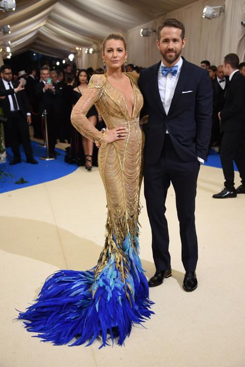 Blake Lively y Ryan Reynolds posan en un evento reciente.