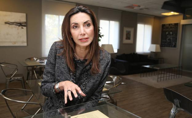 Inés Barba, una abogada malagueña en la Corte Penal de La Haya