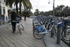 El préstamo de bicis empieza a cuajar en Málaga y alcanza ya los 7.500 usuarios