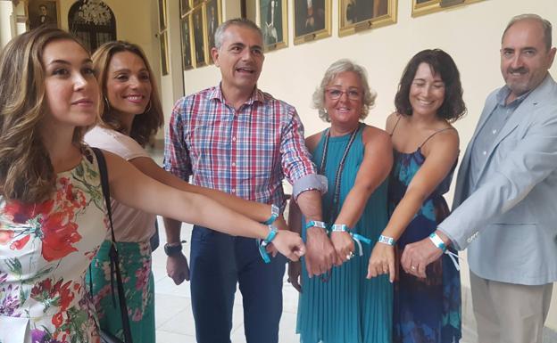 6b13ac49eded Málaga repartirá 10.000 pulseras para localizar a niños o ancianos ...