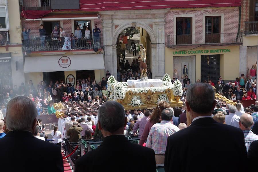 20749e5c8d5 El Cristo Resucitado pasa por la tribuna