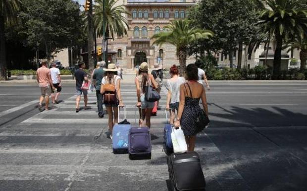 Turistas, en una imagen de archivo./Salvador Salas