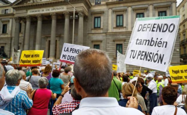 Resultado de imagen de fotos de pensionistas, diariosur