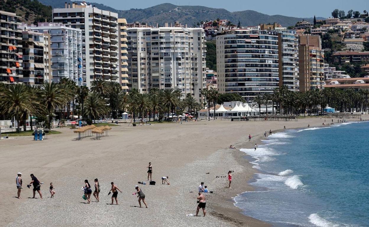 Así Serán Los Puestos De Vigilante De Playa Que Ofrece La Junta Diario Sur