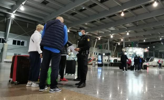 Comienzan los controles policiales en la estación del AVE de Málaga