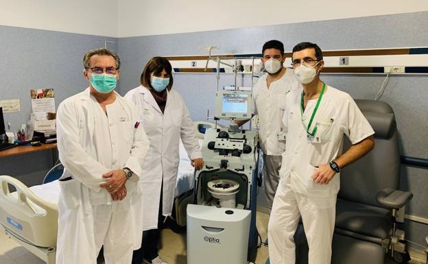 El Clínico hará trasplantes autólogos de médula ósea con un equipo que extrae células madre | Diario Sur