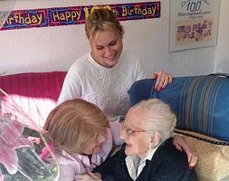 Carta De Un Nieto A Su Abuela Que Cumple 102 Años Diario Sur