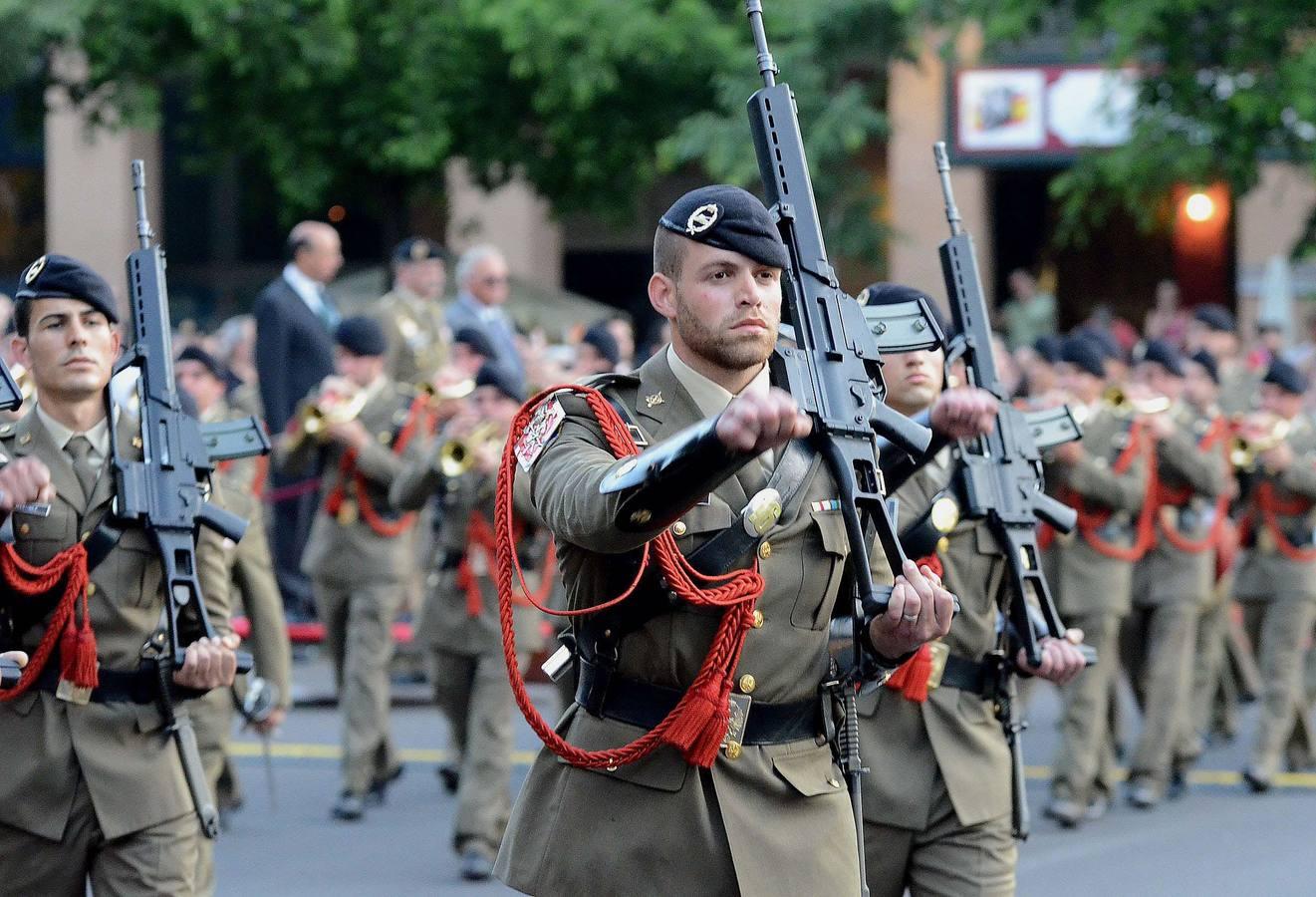 Resultado de imagen de Armadas de San Marino, los guardias de la fuerza de tierra